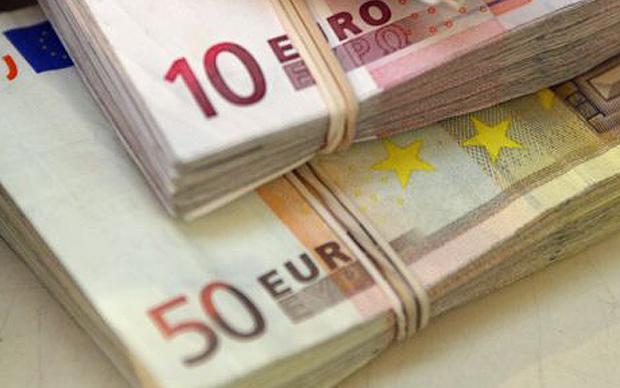 Foto: Menawarkan Pinjaman Sebesar 2%