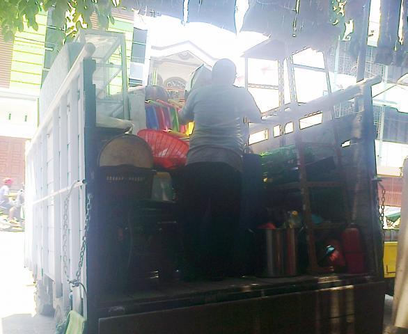 Foto: Sewa Truk Di Medan