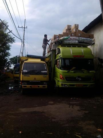 Foto: Ekspedisi Cepat Murah Aman Surabaya Balikpapan Banjarmasin MKT