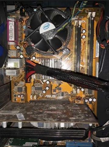 Foto: Jual Komputer PC Bekas Motherboard Asus P5KPL Kondisi Bagus Sudah Berikut Casing